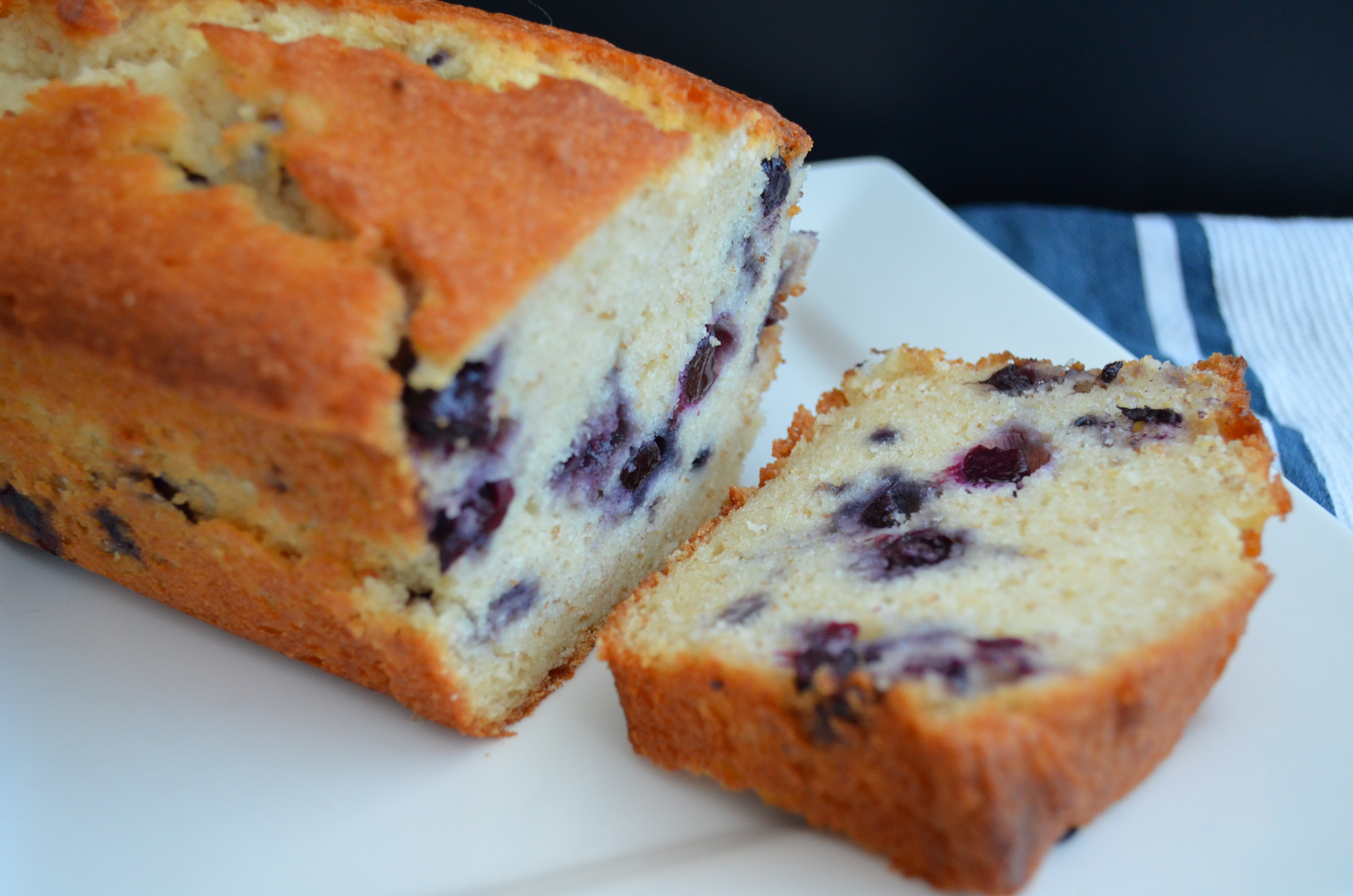Lemon Blueberry Ricotta Pound Cake | trials in food